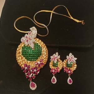 Jewelry - Pendant and earings